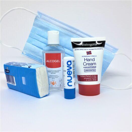 Handbag Essentials Kit från apotek.nu med flera produkter